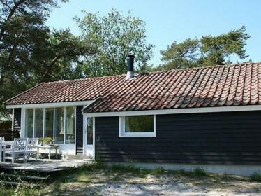Three-Bedroom Holiday home in Nexo 5