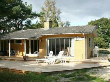 Two-Bedroom Holiday home in Aakirkeby 4