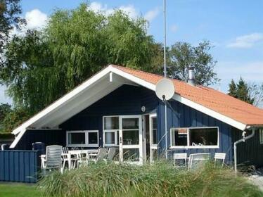 Two-Bedroom Holiday home in Borkop 10