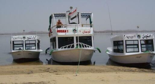 Safari Boat Nubian 2