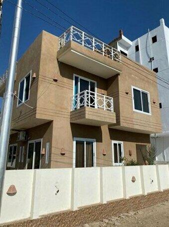 Gold's villa