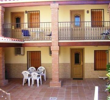 Cristina Apartments Aldeacentenera