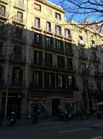 Akira Flats Claris Design Apartment