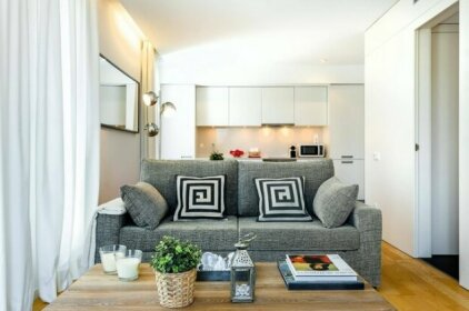 Barcelona - 1 Bedroom Apartment Shared Terrace with Swimming Pool - HOA 42151