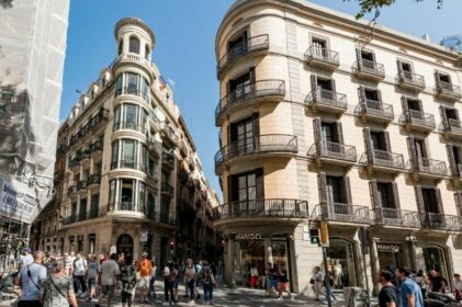 Quaint Urban studio steps away from las Ramblas