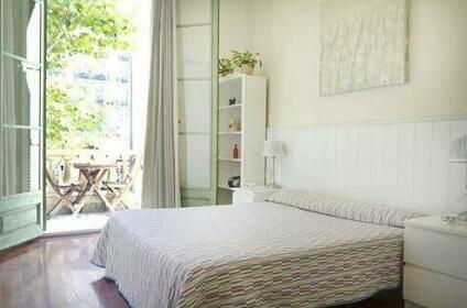Rambla Cataluna Terrace Apartment