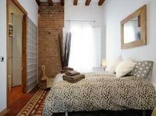 Riera Alta Group Apartment