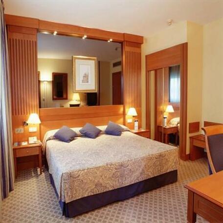Tryp Barcelona Apolo Hotel- Photo4