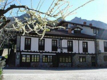 El Caserio Camaleno