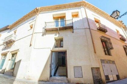 Apartamentos con Patio by Toledo Ap
