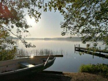 Antinkallio Lakeside Cape