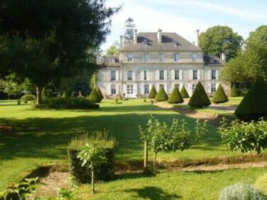 Chateau De Goville Le Breuil-en-Bessin
