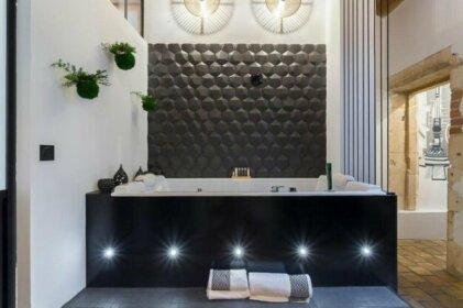 Host Inn - Coeur Vieux Lyon & Spa