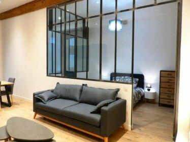 Hyper centre Appartement Deco Atelier ou Studio Mezzanine