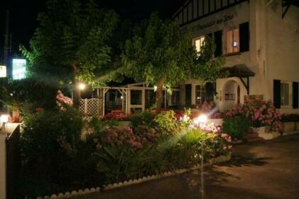 Logis Hotel Emeraude des Bois