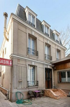 Cameleon Paris Guesthouse