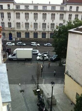 Hotel Paris Bordeaux Menilmontant- Photo5