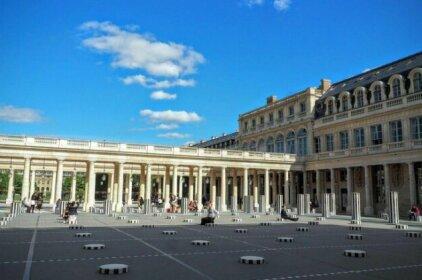 Louvre Opera Private ChicSuites