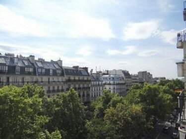 Lovely Montmartre Pigalle with Balcony