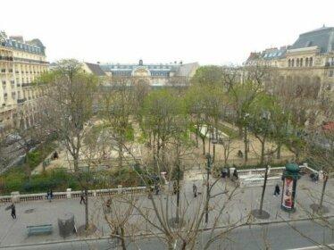 Marvellous Sunbathed 3BR at the heart of Paris