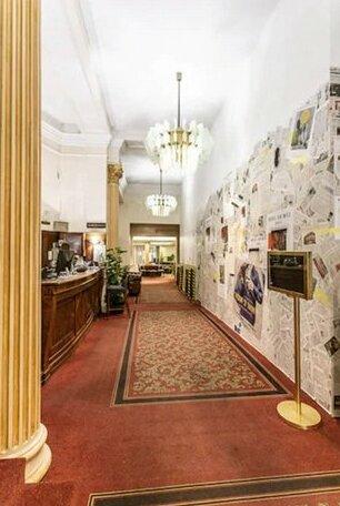 Normandy Hotel Paris- Photo 3