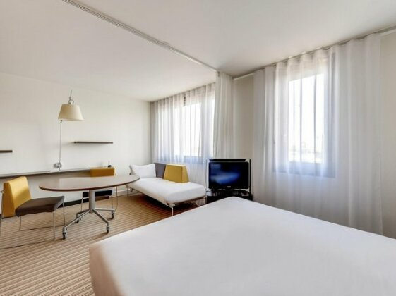 Novotel Suites Paris Nord 18eme - Photo4