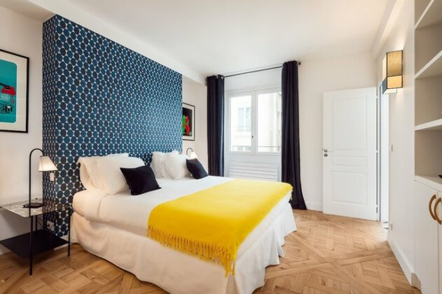 Palais Nouveau - Two Bedroom Condo- Photo3