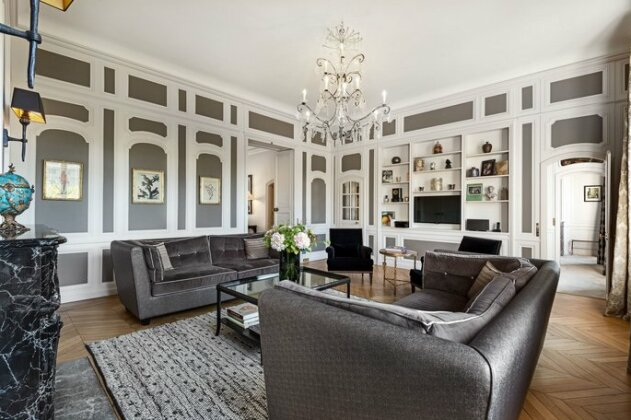 Palais Royal - Three Bedroom Apartment
