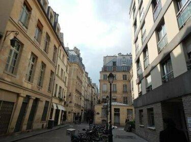 Studio Montorgueil St Sauveur