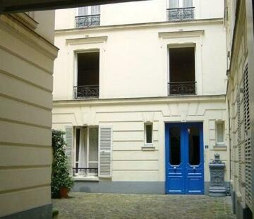 Verneuil-Ten Apartment