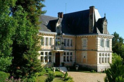 Chateau de Villars Villars