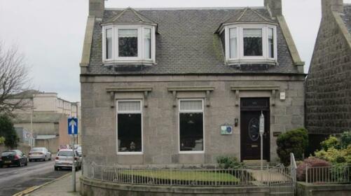 The Jays Guest House Aberdeen