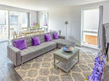 Luxury Bedford Riverside Apartment