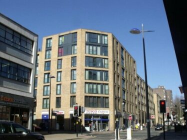 Modern One Bed City Centre Apartment in Southside