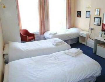 Bourne Beat Hotel
