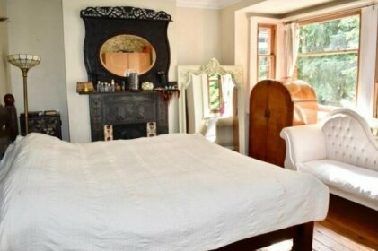 4 Bedroom House Near Seven Dials
