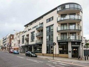 Stylish Downtown Apartment Brighton