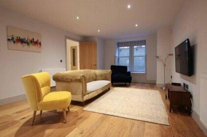 Stylish 2 bed home in the heart of Clifton
