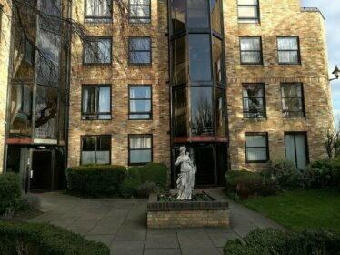 Private Estate City Apartment