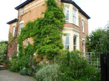Laurel House Bed and Breakfast Cheltenham