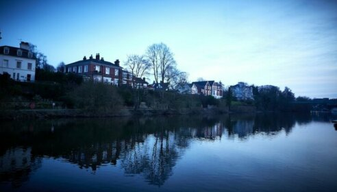 The Boathouse Inn & Riverside Rooms