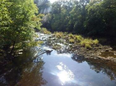 River Shack Cilmeri