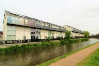 Ecohome on the canal in a historic site near city