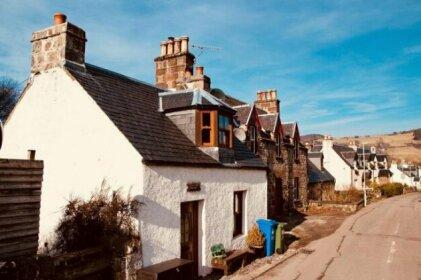Crossroads Cottage - Loch Ness