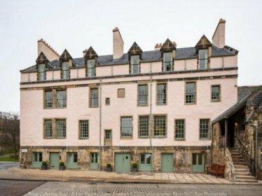 Abbey Strand Apartments at Holyrood