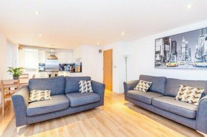 Modern Two Bedroom Apartment Edinburgh