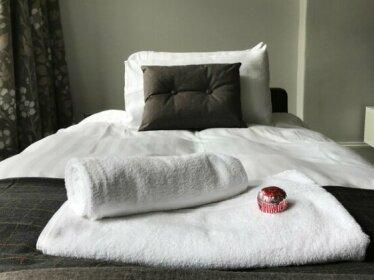 Spacious central 2 bedroom Apartment sleeps 5