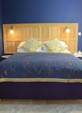 The Lodge at Hemingford Grey House