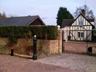 Woodland Lodge Hoddesdon