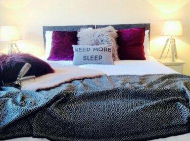 Manhattan Place - Stylish Apartment